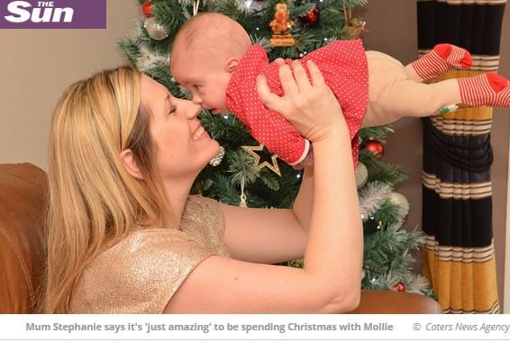 Mollie-vauva viettää ensimmäistä jouluaan tänä vuonna.