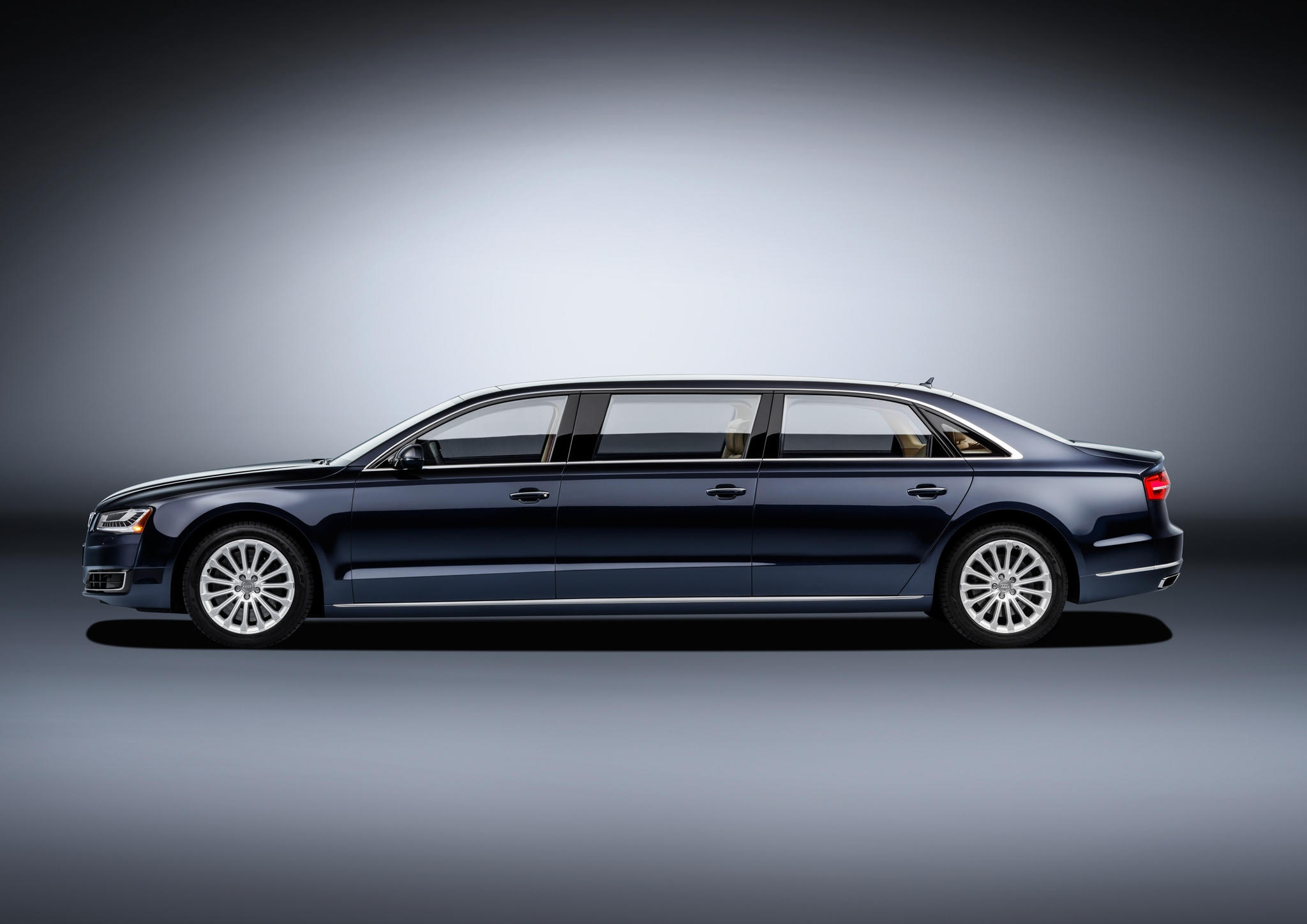 Audi A8 L Extended 3