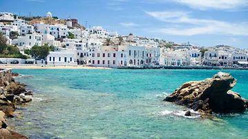 Kreikan saaret tarjoavat niin vilkasta yöelämää kuin uneliaita kalastajakyliä.