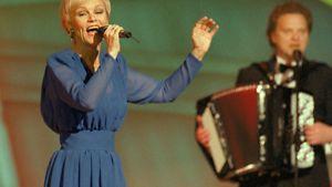 Katri Helena on tehnyt suomenkielisen kappaleen Ranskan vuoden 1977 eduskuskappaleesta.
