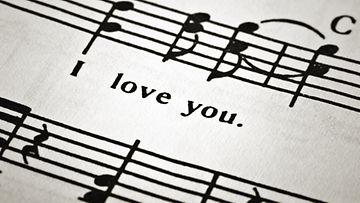 Moni musiikintekijä on kätkeytynyt uransa varrella salanimen taakse.