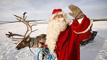 Joulupukkiin liittyy monenlaisia muistoja.
