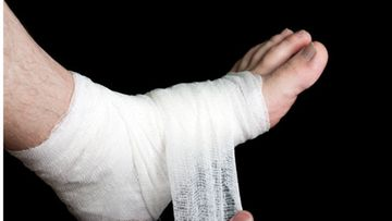 Ilkka menetti jalkansa,koska leikkaussalissa ei ollut tarpeeksi ohutta lankaa.