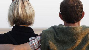 Muistelkaa yhdessä, mihin toisissanne rakastuitte,kehottaa terapeutti.