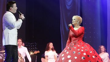 Katri Helena ja Jari Sillanpää esiintyivät yhteisessä MeStarat JouluShow vuonna 2007.