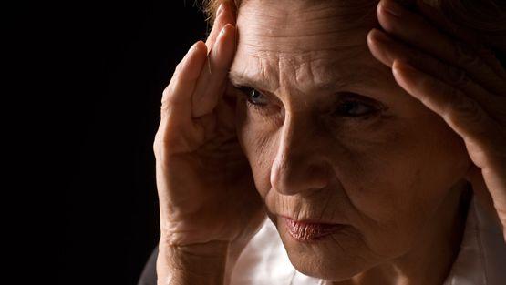 Punkin puremasta voi koitua monenlaisia oireita, kuten esimerkiksi päänsärkyä. Kuvan henkilö ei liity haastatteluun.