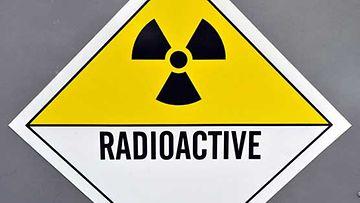 Radioaktiivisuudesta varoittava kyltti.