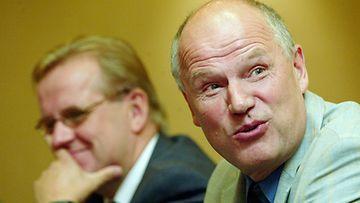 Entinen puolustaja Juha Rantasila on nyt Suomen jääkiekkoilijat ry:n kunniapuheenjohtaja.