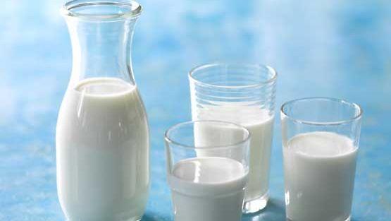 Käsittelemätön maito sisältää runsaasti terveydelle suotuisia aineosia.