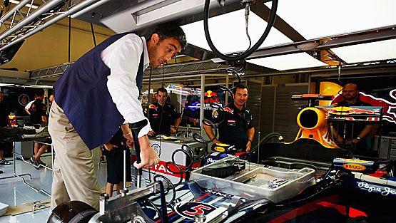 Maailman pisin mies F1-varikolla - katso kuvat! - Uutiset - F1 - Sport - MTV.fi
