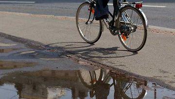 Pauli jaksaa taas pyöräillä entiseen malliin.
