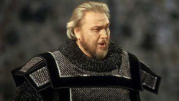 Jaakko Ryhänen Macbeth-oopperassa Savonlinnan oopperajuhlilla vuonna 1993.