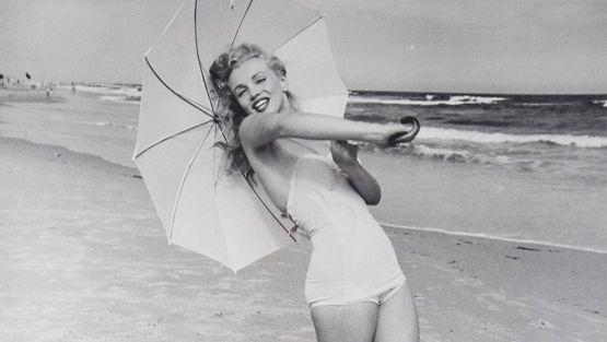 Myös Marilyn Monroe poseerasi pin up -kuvissa.