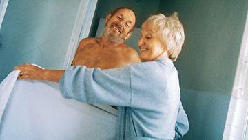 Kyselyyn vastanneet raportoivat orgasmien vähentyvän, kun suhde on kestänyt pitkään.