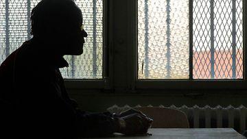 Psykologi tapaa vankeja päivittäin. Kuvan henkilö ei liity juttuun.