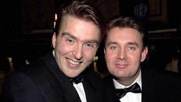 Joel Hallikainen ja Timo Koivusalo vuoden 2006 Venla-gaalassa, jossa Tuttu Juttu Show palkittiin kunniakirjalla.