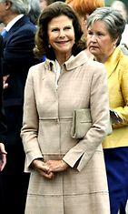 Ruotsin kuningatar Silvia vieraili ruotsinkielisessä Svenska samskolanin lastentarhassa  Tampereella 26. elokuuta 2009. Kuva: Lehtikuva/Matti Björkma