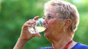 Voimistuva jano on yksi diabeteksen tyyppioire.