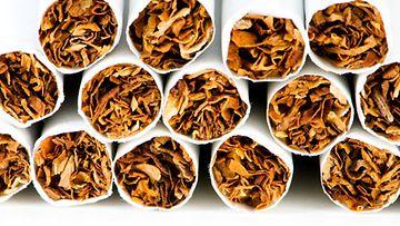 Tupakasta liikkuu turhan myönteisiä myyttejä.