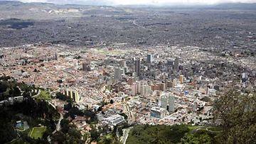 Kolumbian pääkaupunki Bogota Monserrate-vuorelta kuvattuna.