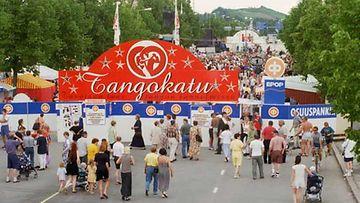 Seinäjoen Tangomarkkinoiden yleisöä vuonna 1988.