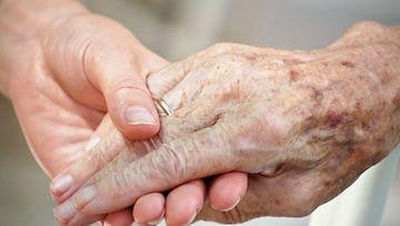 Ihminen on oikeutettu saamaan hyvää hoitoa myös vanhana. Aina kokemukset eivät puolla tätä.