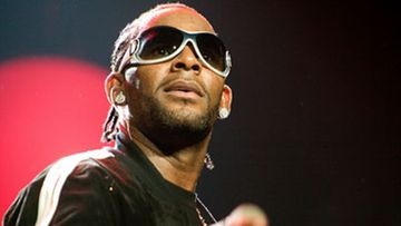 R. Kelly lavalla marraskuussa 2007. (Kuva: Annette Brown/Getty Images)
