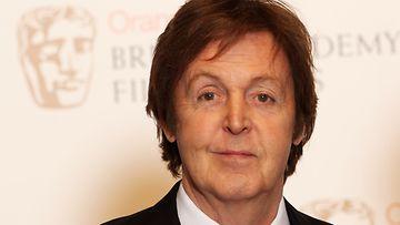 The Beatlesin Paul McCartney ei ole vahvistanut huhuja bändin esiintymisestä Lontoon olympialaisissa.