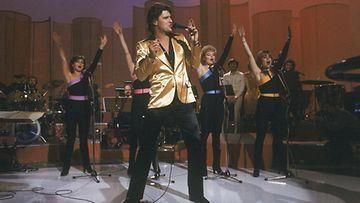 Frederik osallistui Euroviisujen esikarsintoihin vuonna 1981 kappaleella Titanic.