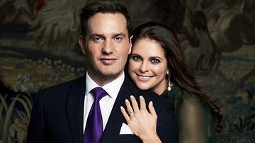 Chris O'Neill ja prinsessa Madeleine ilmoittivat kihlauksestaan viime viikon torstaina.