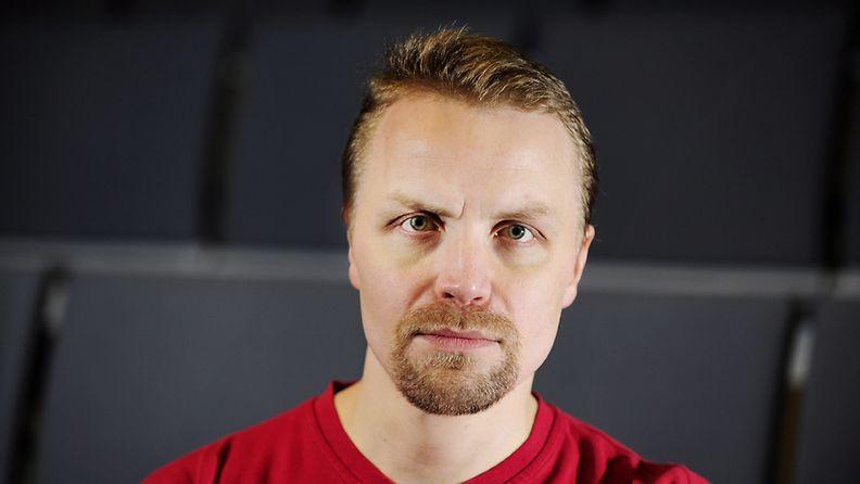 Näyttelijä Jani Volanen