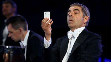 Mr. Bean Lontoon olympialaisten avajaisissa.