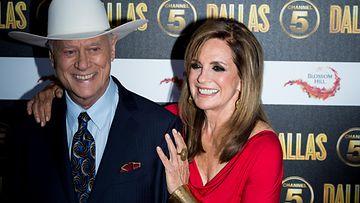 Larry Hagman ja Linda Grey uuden Dallasin lanseerausjuhlissa Lontoossa elokuussa 2012.