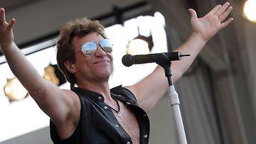 Bon Jovi etsii suomalaista bändiä lämppärikseen.