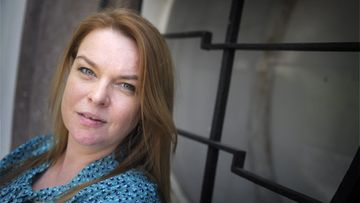 Elina Knihtilä lähti näyttelijän uralle näyttämisen halusta.
