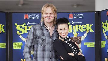 Otto Kanerva ja Maria Lund tähdittävät Shrek-musikaalia.