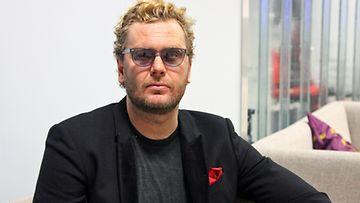 Ohjaaja Antti Jokinen haluaa pitäytyä draamassa.