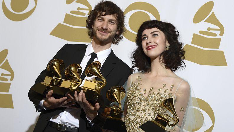 Myös Gotye haali Grammy-patsaita.