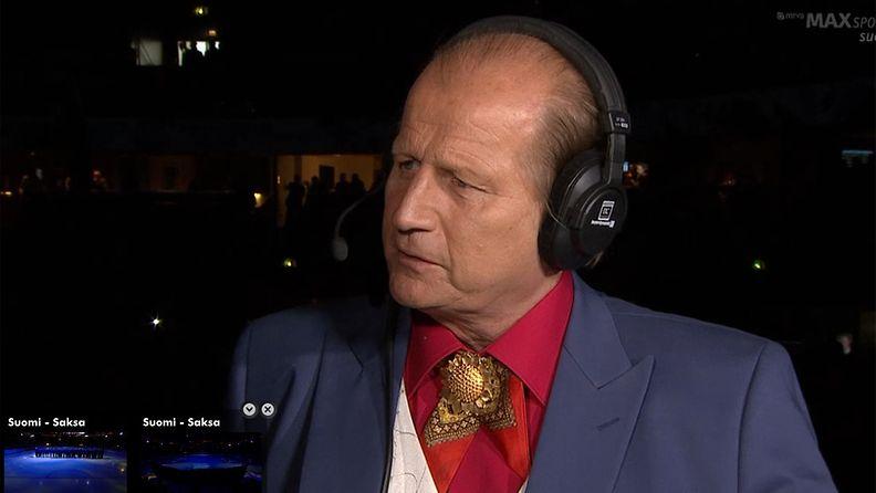Jääkiekkoasiantuntija esitteli Don Tami -tyyliään Suomi-Saksa-pelissä