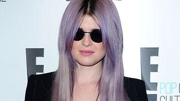Kelly Osbournen uusi hiusväri on räväkkä liila.