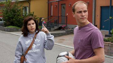 Armi Toivanen ja Riku Nieminen elokuvassa 21 tapaa pilata avioliitto.