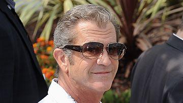 Näyttelijä Mel Gibson on löytänyt rinnalleen uuden rakkaan.