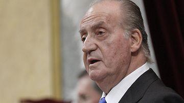 Presidentti Juan Carlos tienaa kuukaudessa liki 25 000 euroa.