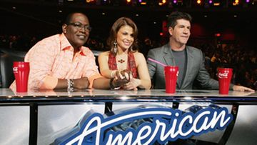 American Idol -tuomarit pöydän takana. (Kuva: Kevin Winter/Getty Images)