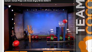 Conanin studioon oli rakennettu jättikokoinen Angry Birds -peli.