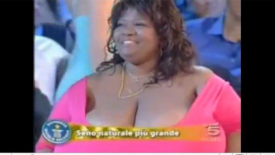 naisen ejakulaatio suurimmat rinnat