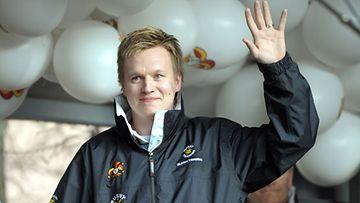 Jääkiekkoilija Esa Pirnes (Kuva: Kimmo Mäntylä/Lehtikuva)