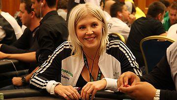 Vappu Pimiä Unibet Open pokeriturnauksessa Prahassa. Kuva: MTV3.