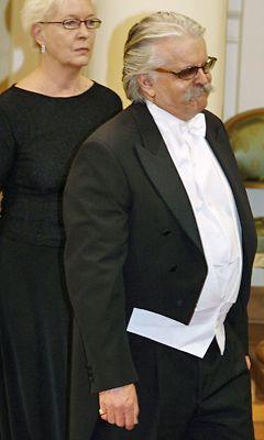 pukukoodi tumma puku Espoo