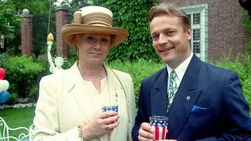 Tuire ja Timo T.A. Mikkonen vuonna 1997. (Lehtikuva)